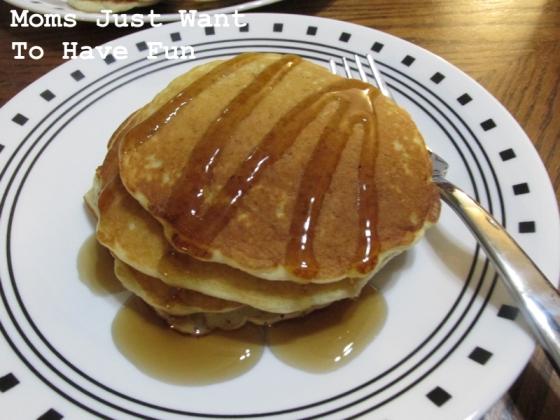 Oatmeal Pancakes-w